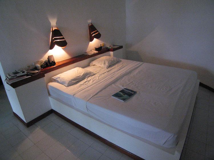 Isole maldive fotografie video informazioni consigli utili - Armadio dietro al letto ...